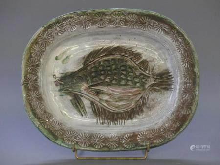 THIRYGrand plat à décor de poisson de roche. Signé Thiry à Vallauris40 x 31 cm