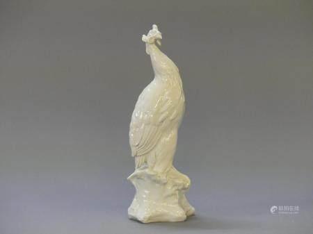 Guido CACCIAPUOTI (1892-1953)Oiseau perché Sculpture en porcelaine blanche, signé à la pointe.H