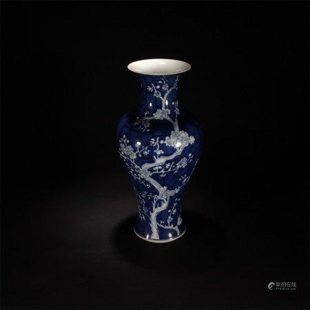 清 藍釉梅花觀音瓶