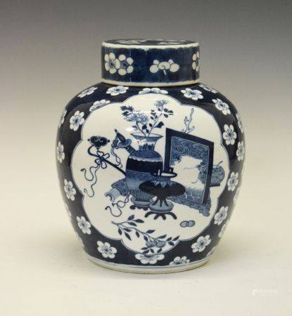 Late 19th/early 20th century Chinese blue and white porcelain ginger jar and cover, the flat