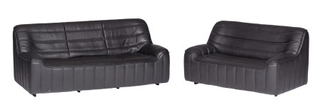 A set of two '70s design black buffalo leather DS84 settees by De Sede