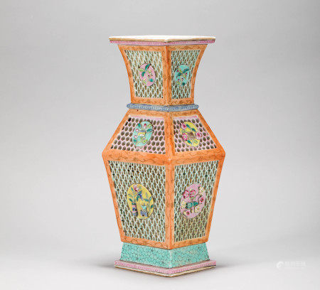 Pink Glazed Ancient Flower Vase from Qing 清代粉彩雕瓷開光博古花瓶