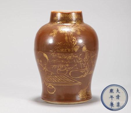 Bronze Glazed Tracing Gold Porcelain Vase from Qing 清代醬釉描金瓷瓶