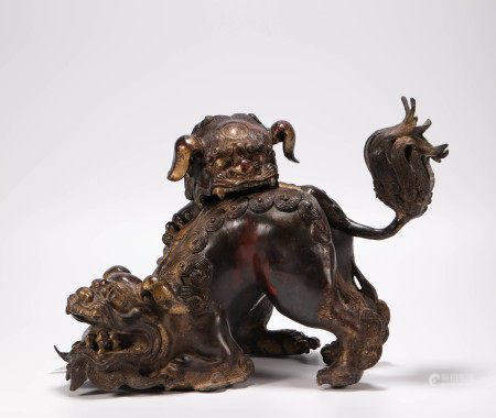 Copper Censer in Lion Form from Qing 清代銅質雙獅子熏香爐