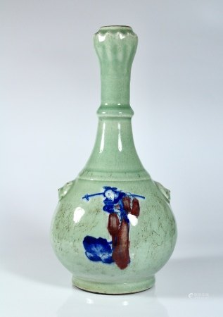 A Blue and White and Copper-Red-Decorated Celadon-Glazed Garlic-Head Vase, Qing Dynasty
