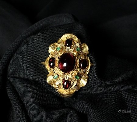 Garnet, Emerald and 18K Gold  Filigree Brooch, 1840s