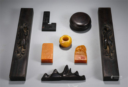 CHINESE SCHOLAR'S OBJECTS WITH SEAL BRUSH HOLDER AND PAPER WEIGHT