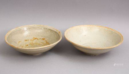 A GOOD PAIR OF EARLY CHINESE POTTERY BOWLS, 15 cm