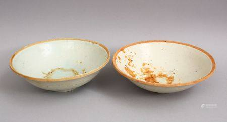 A GOOD PAIR OF EARLY CHINESE POTTERY BOWLS, 16cm.