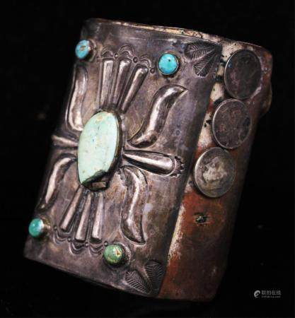 NATIVE AMERICAN SILVER TORQUOISE LEATHER BRACLET