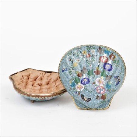 明治時期 花蝶紋貝型七寶寶物盒