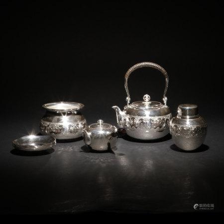 純銀打出饕餮紋茶具一套