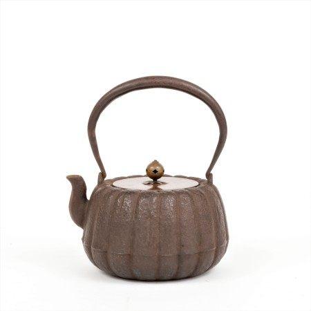 江戶-明治時期 蓮瓣形鐵壺