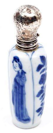 Blue and white Chinese porcelain bottle with Long Liza decor