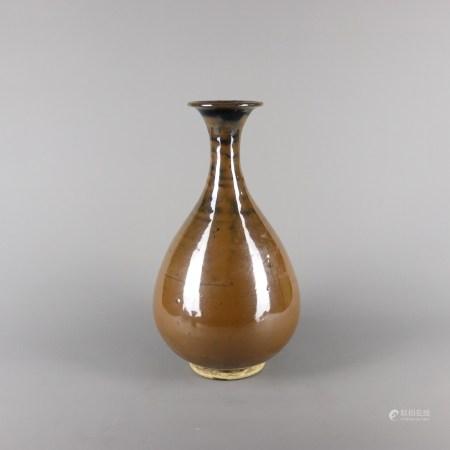 宋代 酱釉玉壶春瓶