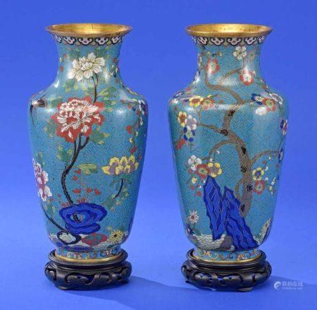 Ein Paar Cloisonné-Vasen Um 1900