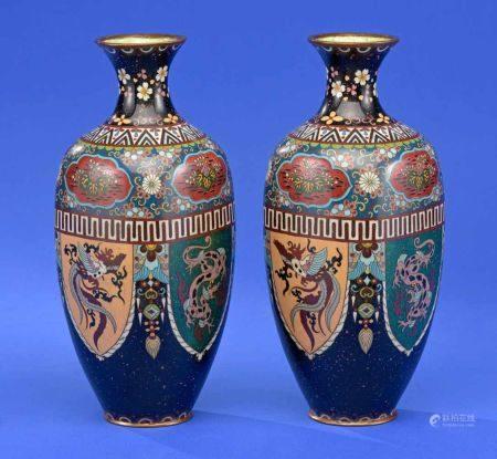 Ein Paar Cloisonné-Vasen Japan um 1900