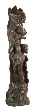 QuanyinGöttliche Mutter der Barmherzigkeit. China, Qing Dynastie. Edelholz geschnitzt. Größe ca.