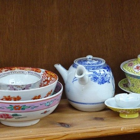 Various Chinese ceramics, including rice bowls, blue and white teapot, bowls etc (1 shelf)