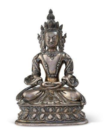 藏汉 十八世纪 银无量寿佛坐像 TIBETO-CHINESE, 18TH CENTURY