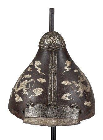 西藏或蒙古 十七/十八世纪 铁镶银云龙纹头盔 TIBET OR MONGOLIA, 17TH-18TH CENTURY