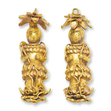 A pair of gold 'figural' earring pendants, erzhui  Ming dynasty  (2)