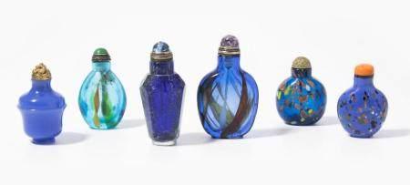 6 GLAS SNUFF BOTTLES