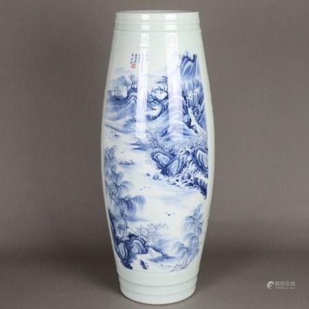 Bodenvase - leicht grünliche Glasur, großformatige Shan-Shui-Szenerien in Unterglasurblau,