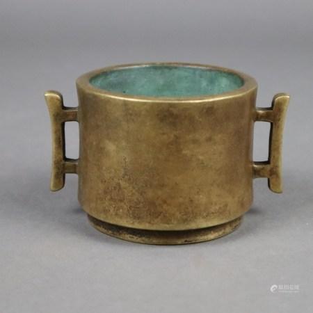 Weihrauchbrenner - China, späte Ming-Zeit, Bronze, zylindrische Wandung auf kurzem, ausgestellten