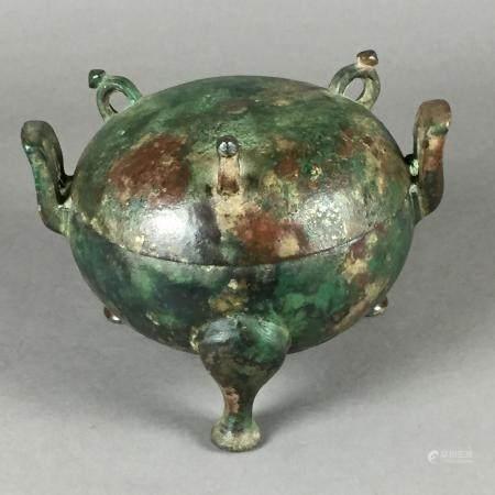 Dui-Bronzegefäß - China, im Stil der späten Zhou-Dynastie, rundes Unterteil auf drei Füßen mit