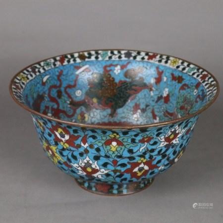 Große Cloisonné-Schale - China, späte Ming-Dynastie, bauchige Form über rundem Standring und mit