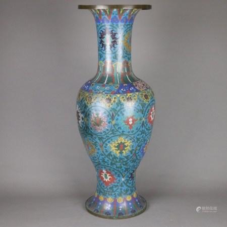Große Cloisonné-Palastvase - China, Qing-Dynastie, balusterförmig mit langem zylindrischem Hals