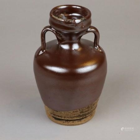 Kleine Amphorenvase - China, Steinzeugscherben partiell mit kapuzinerbrauner Glasur in der Art