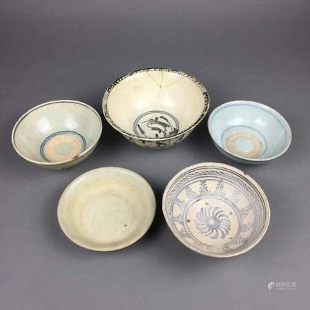 Konvolut Alte Keramik/ Schalen - China / Südostasien, 17.-bis späte 19.Jh., 5-tlg., rund, meist