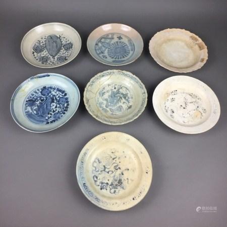 Konvolut Alte glasierte Keramik/Teller & Schalen - China / Südostasien, 17.-bis späte 19.Jh., 7-