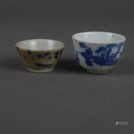 Zwei kleine Blau-Weiß Koppchen - China, Porzellan mit unterglasurblauer Bemalung, ungemarkt, 1x