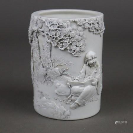 Pinselgefäß - China, Porzellanvase mit leicht gräulicher transparenter Glasur, zylindrische Form,