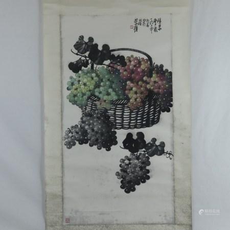 Chinesisches Rollbild -Korb mit Trauben, Tusche und Farben auf Papier, in chinesischer