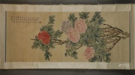 Chinesisches Rollbild - Blühender Pfingstrosenstrauch, leichte Farben und Tusche auf Seide, rechts