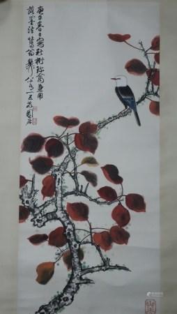 Chinesisches Rollbild - Singvogel auf rotem Ast, Tusche und Farben auf Papier, in chinesischer