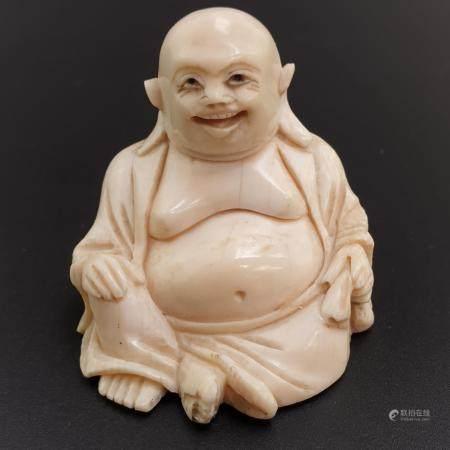 Okimono ¨Hotei - Elfenbein geschnitzt, Augen geschwärzt, Japan, Meiji-Epoche, mit kahlem Kopf,
