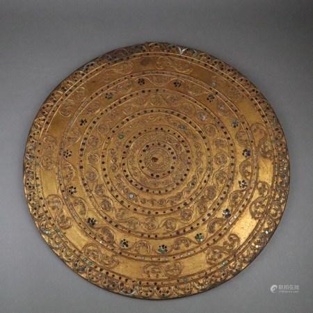 Schild - Thailand, Mitte 20.Jh., Metall, Gold lackiert, runde Form, fein ziselierte Ornamentik,