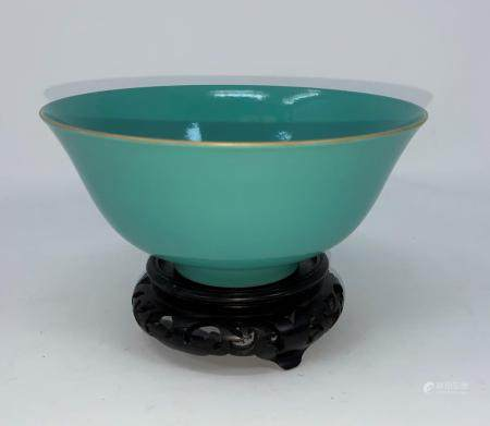 A turquoise glaze rice bowl possibly Yongzheng, 6 character signature to base in concentric circles.