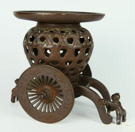 UNUSUAL ORIENTAL INCENSE BURNER 2 MAN PULLING