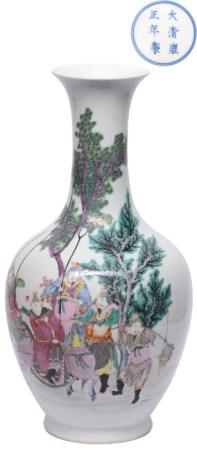 粉彩戰將人物瓶 - '大清雍正年製' 款