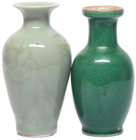 綠釉瓶二件