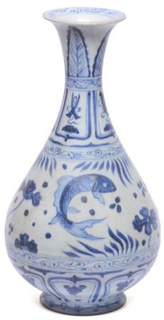 青花魚藻玉壺春瓶