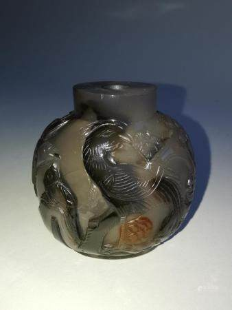 QING DYNASTY AGATE CARVING SNUFF BOTTLE