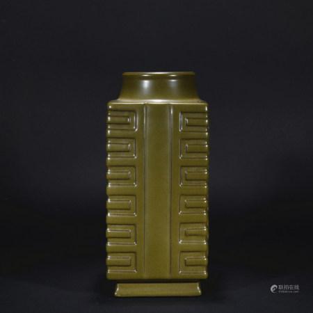 Qing Dynasty tea-dust glaze cong shaped vase