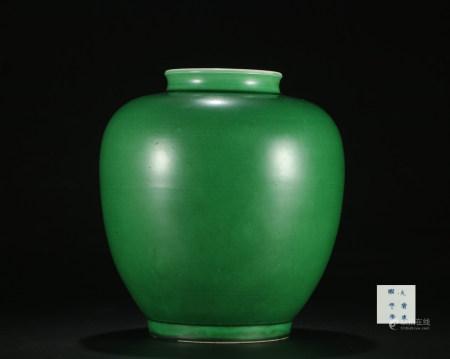 Qing dynasty green glaze jar